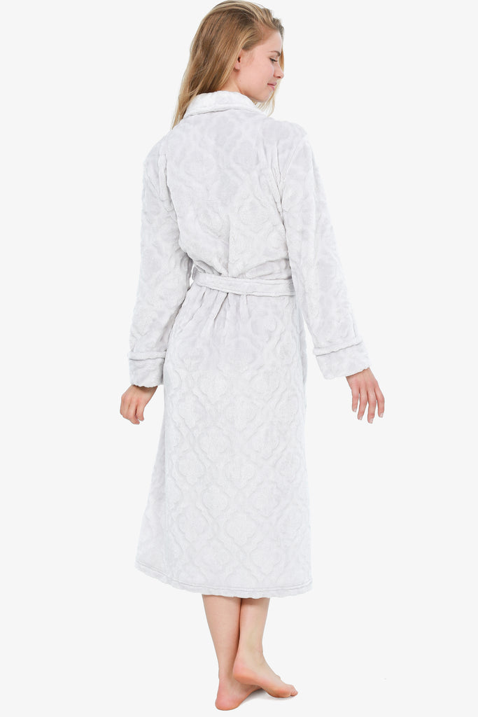 THE ROYAL PLUSH ROBE (SILVER)