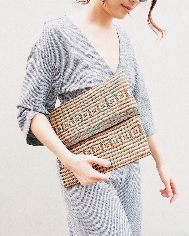 Coral seagrass woven clutch - olive & iris