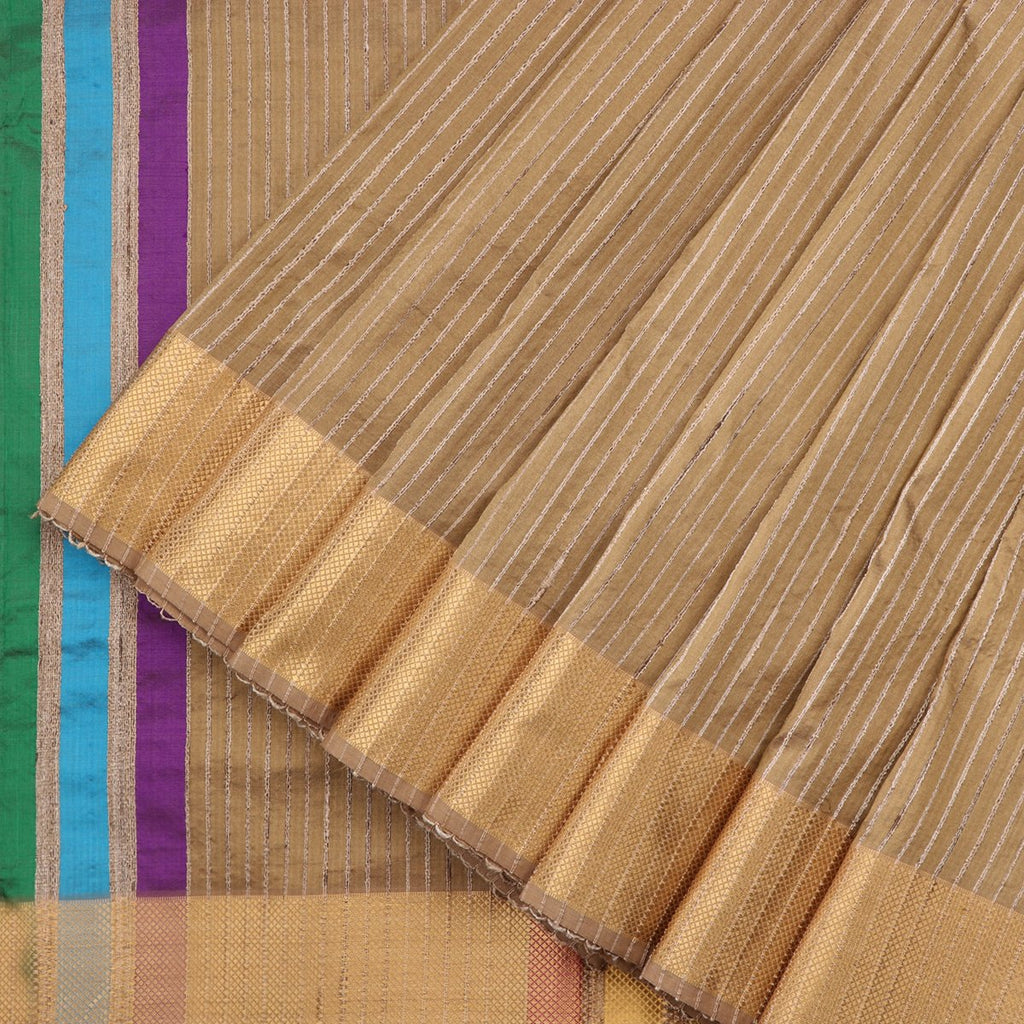 Handwoven Greenish Cream Textured Maheshwari Silk Cotton Sari-WIIGS038 - Cover View