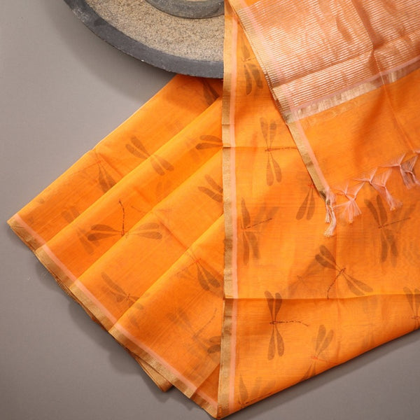 Handwoven Saffron Orange Silk Cotton Chanderi Dupatta - WIIAPRI CCPD - E - Design View