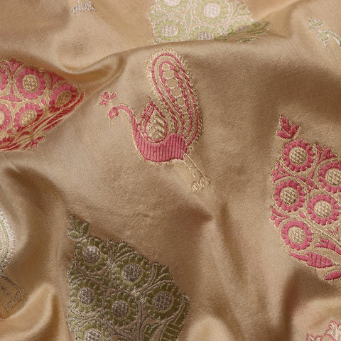 Handwoven Cream Banarasi Multi Butti Silk Sari - WIIKBDA0002A - Fabric View