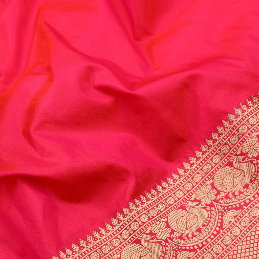 Handwoven Chilli Red Banarasi Silk Sari - WIISHNIKARIDNAM0064 - Fabric View