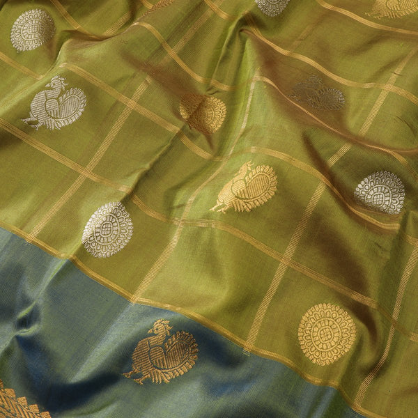 Handwoven Shades of Green Kanjivaram Silk Sari - WIIGS021 - Design View
