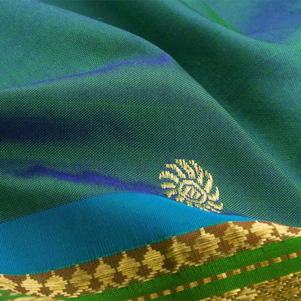 Handwoven Paithani Silk Sari with Peacock Pattern-WIISHNIKARIDNAM0196 - Fabric View