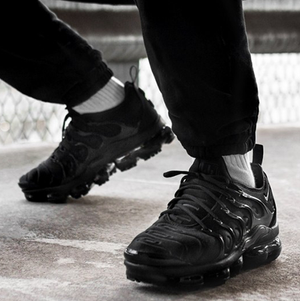 best cheap 6b1c4 900ca Nike Vapormax Plus Triple Black Avengers Black Panther