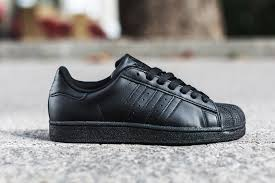 the best attitude 6348f e4fb4 Adidas Superstar Triple Black