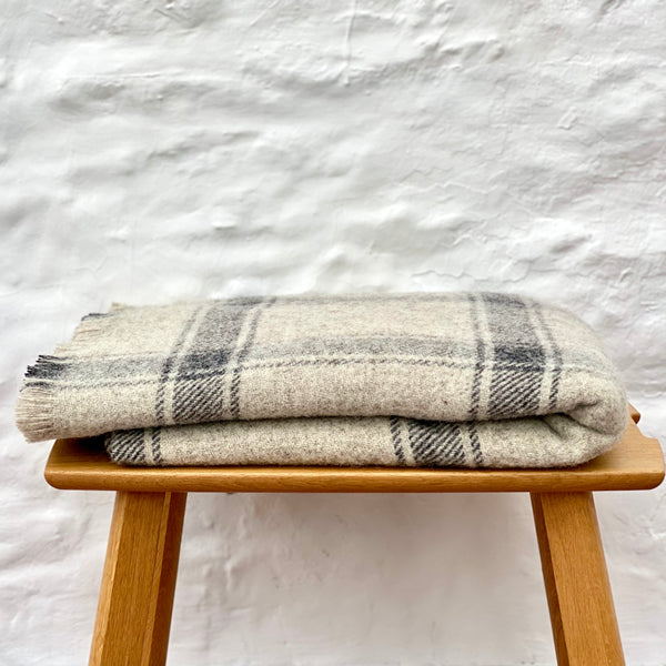 Welsh Wool 'Cennen' Blanket - Grey Check