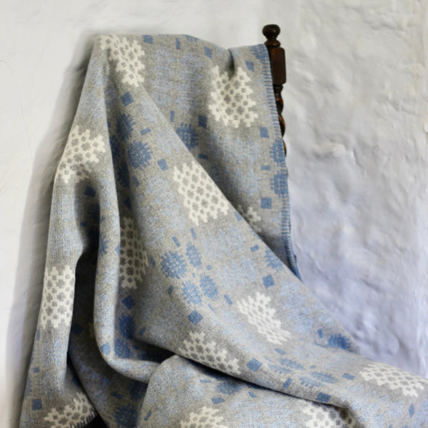 ''Hafod' Grey, Blue and White Tapestry Throw