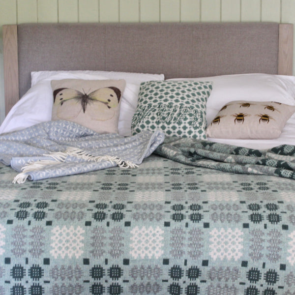 'Fforest' Green and Cream Tapestry Bedcover