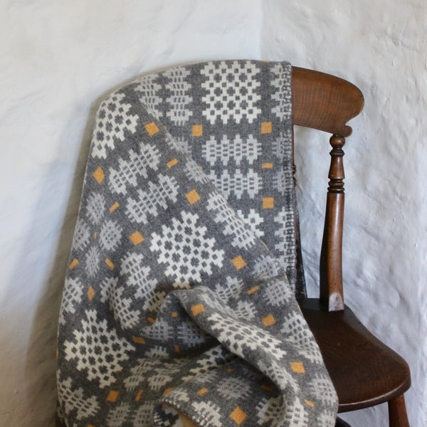 'Carreg' Grey, Yellow and White Tapestry Throw