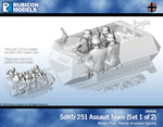 284056 - SdKfz 251/1 Assault Team (Set 1 of 2)