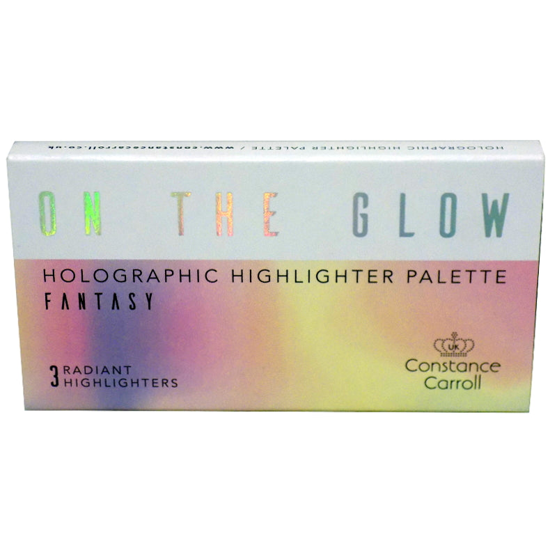 Constance Carroll On The Glow Holographic Highlighter Palette (02 Fantasy)