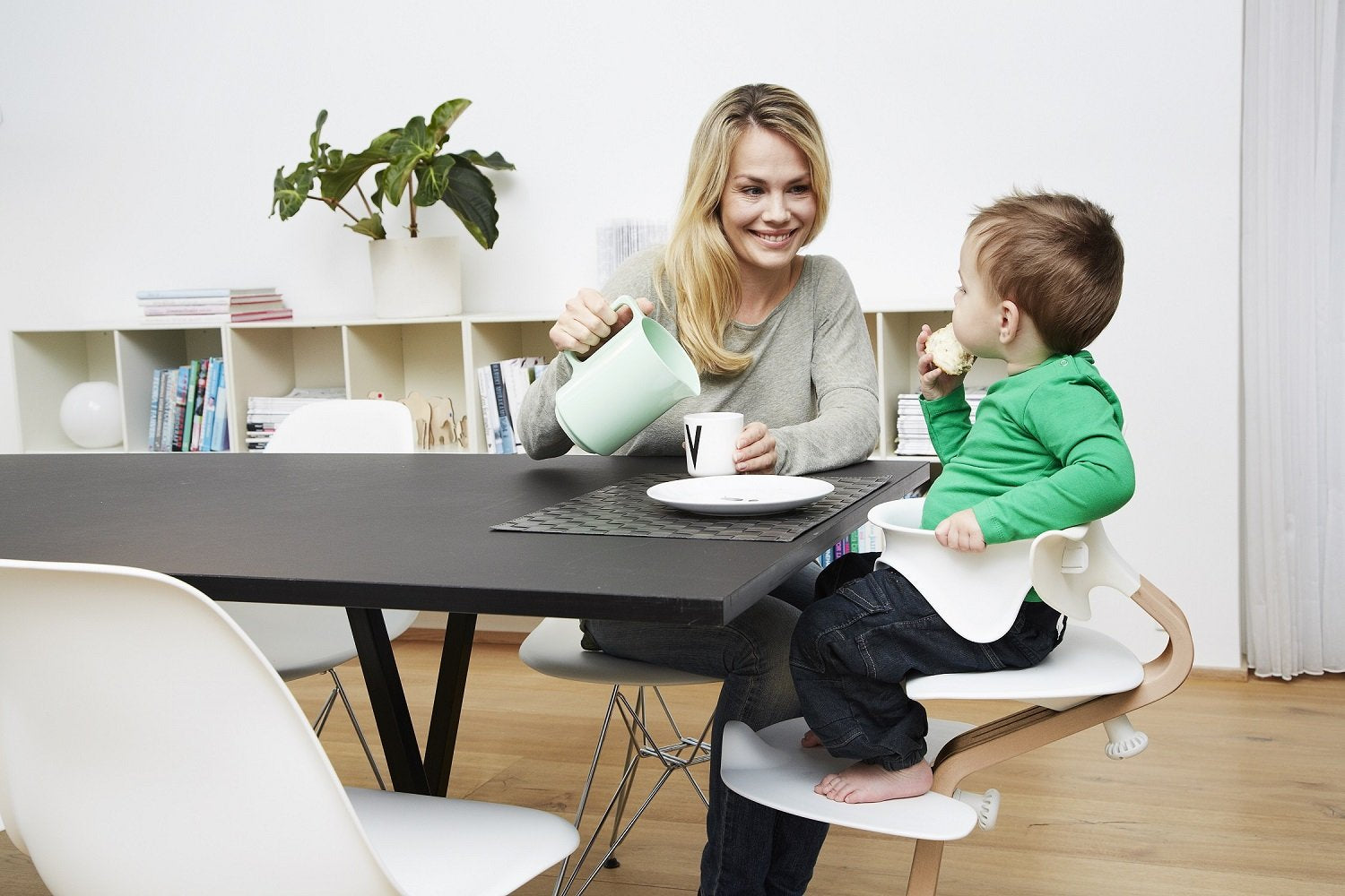 High Chair and Baby Recliner Coffee - Nomi