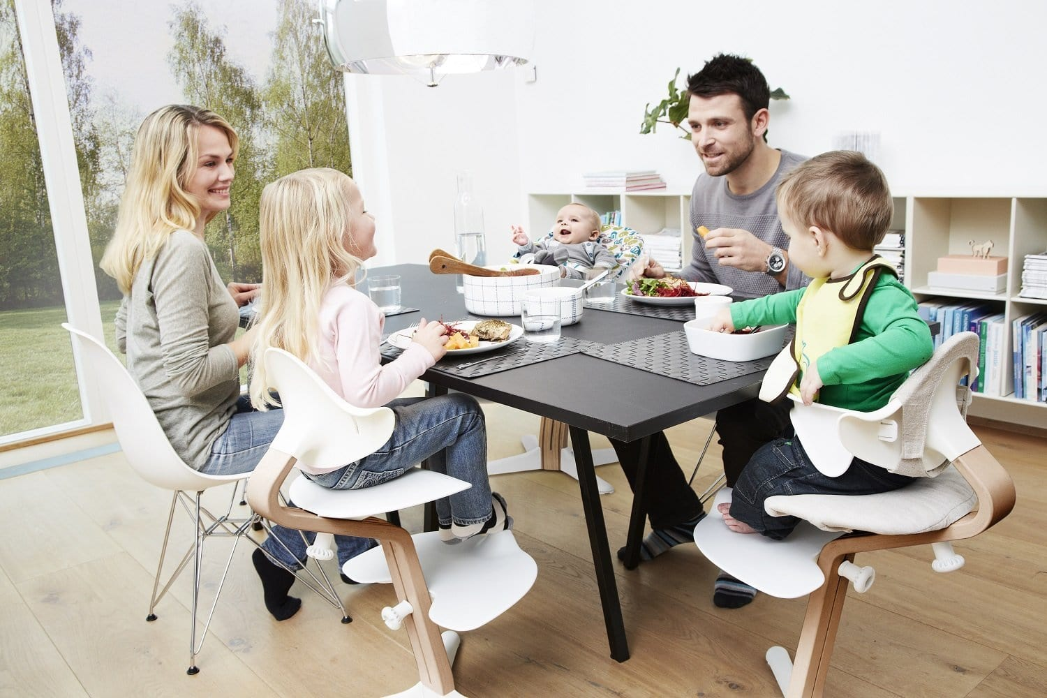 Evomove Nomi High Chair and Baby Recliner Antracite