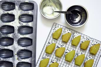Matcha Tea Recipe: Green/Blue Tea Madeleine