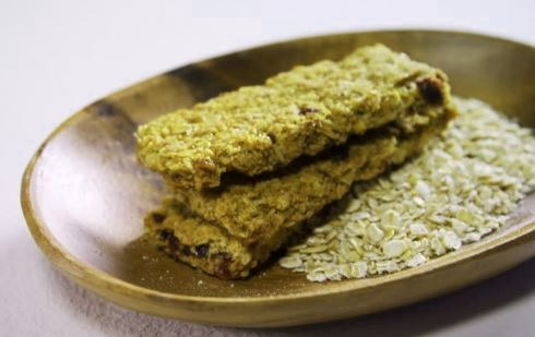 Get Your Snack On With These Matcha Granola Bars!