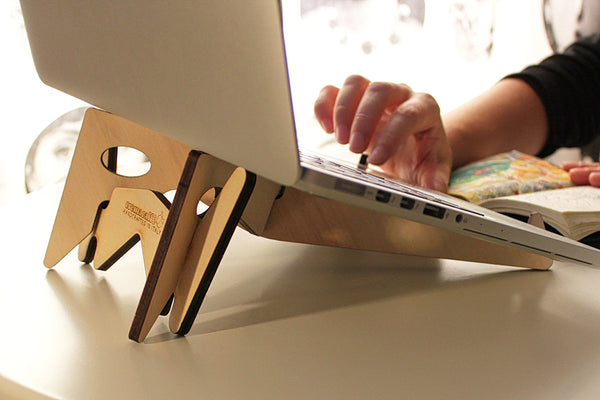 KOLIBRI synth, laptop and tablet stand by Cremacaffè Design