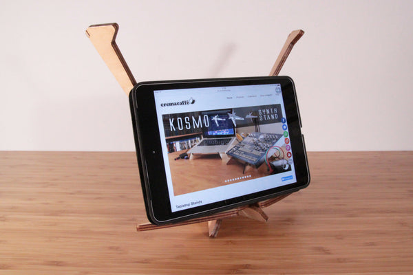 Cremacaffè KOSMO stand and iPad