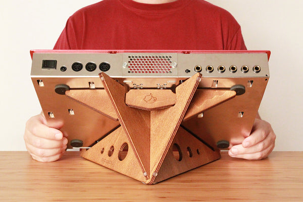 SPIKE XL synth stand by Cremacaffè Design