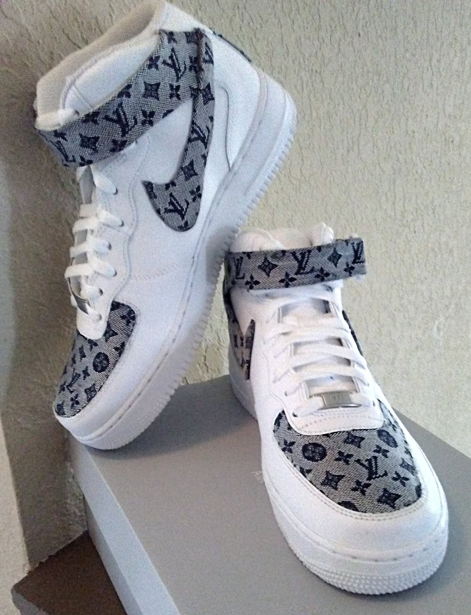 Lev Nike Air Force 1 Mid – Couture Cohezion