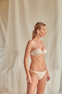 Ellipse Seamless Multi Way Underwire Cup
