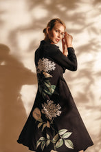 Load image into Gallery viewer, Ellipse  Floral Tux Kimono