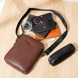 D.V.L. Reporter Bag (Chestnut)