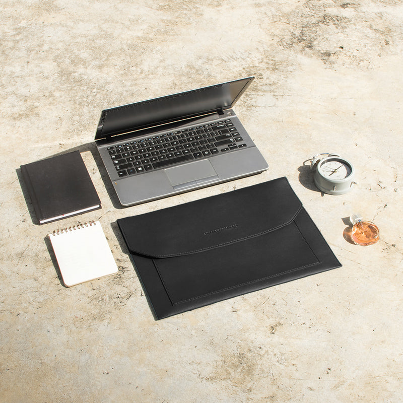 D.V.L. Multi-pocket Laptop Sleeve (Black)