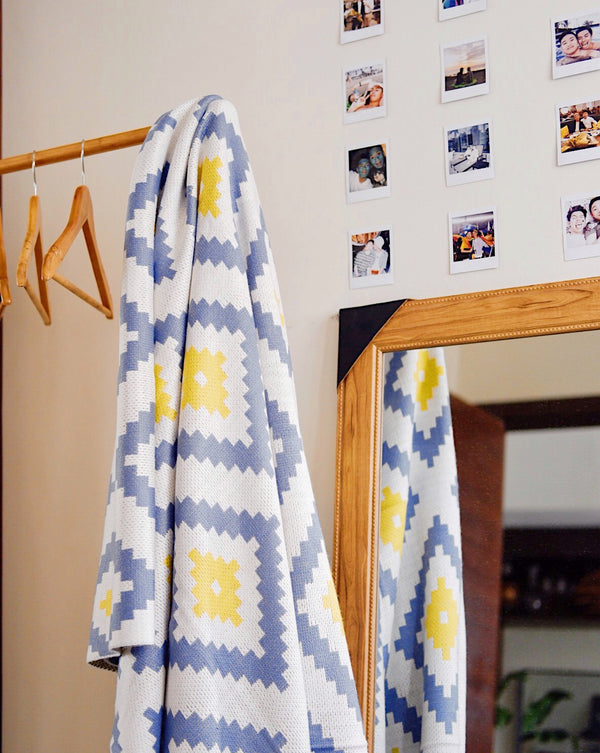 The H.W.L. Home Blanket (Queen Size) Design 3