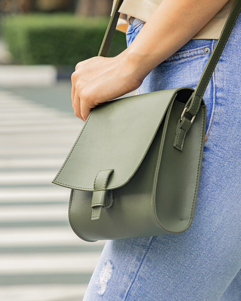D.V.L. Classic Body Bag (Army Green)