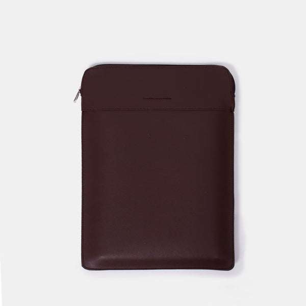 D. V. L. Portrait Laptop Case (Chestnut)