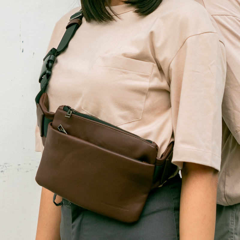 D.V.L. Monochrome Belt Bag (Chestnut)