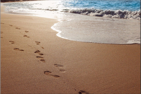 FOOTPRINTS SAND SEA LOVE NATURE WAVES OCEAN CANVAS WALL ART IMAGE PICTURE LARGE