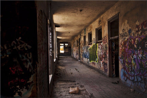 ABANDONED BUILDING GRAFFITTI LOST RUINED CANVAS WALL ART IMAGE PICTURE LARGE