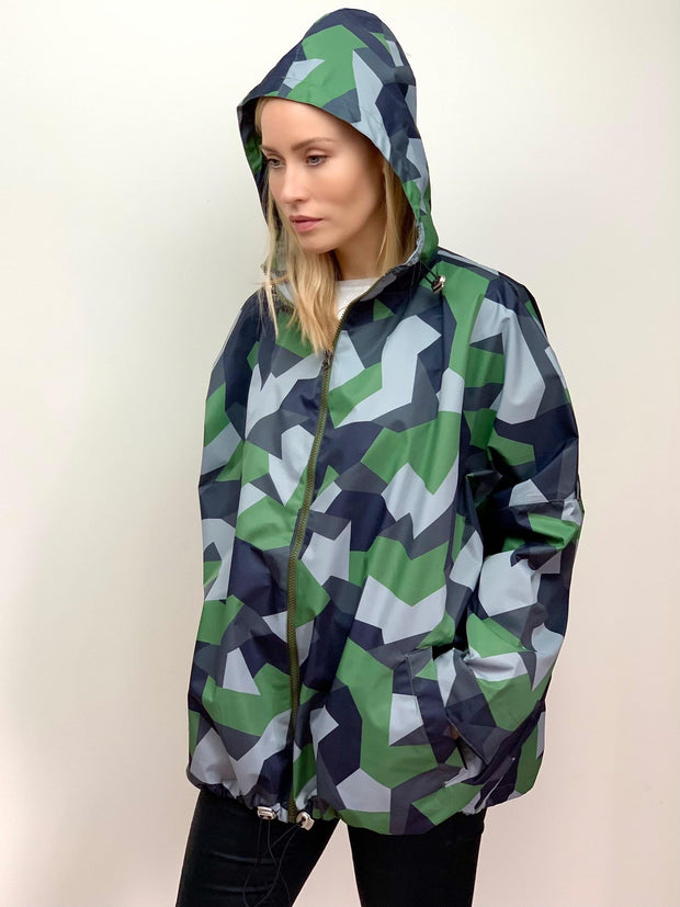 Raincoat in Green Geometric Print - Taylor Bell