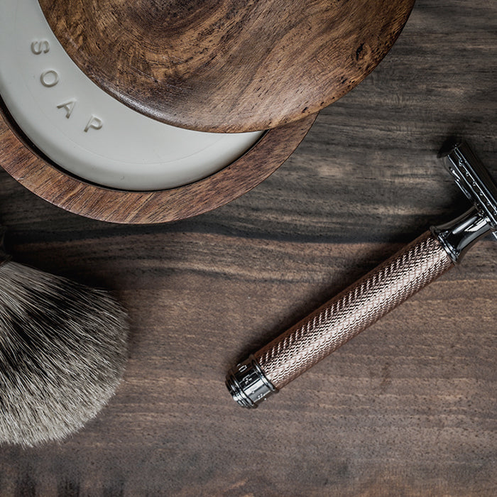 SHAVING ACCESSORIES AND SUPPLIES
