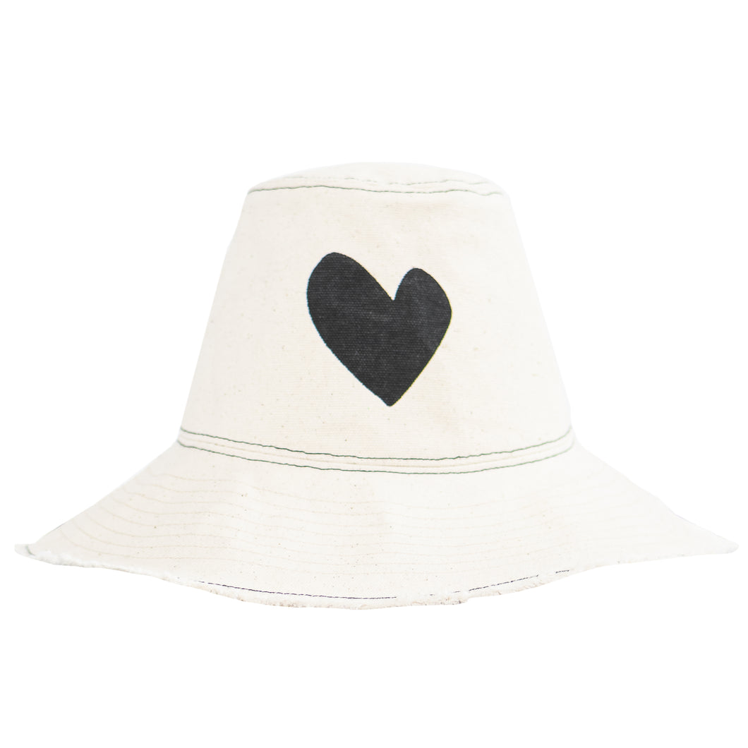 Sunny Daze Imperfect Heart Hat Natural - Carbon