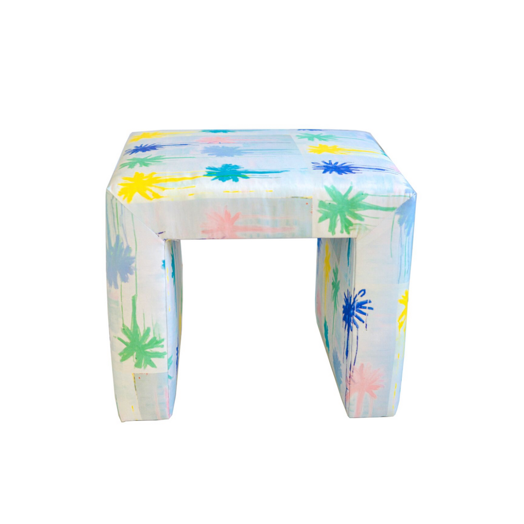 Frederico Bench Shorty, Pom Poms