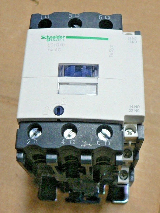 NEW SCHNEIDER ELECTRIC IEC STYLE CONTACTOR LC1D40G7 3-POLE, 120VAC COIL VOLTAGE