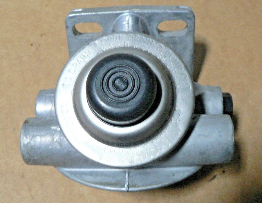 M1092 FILTER HEAD I THINK C7 DIESEL ENGINE PARKER RK22140 FILTER HEAD