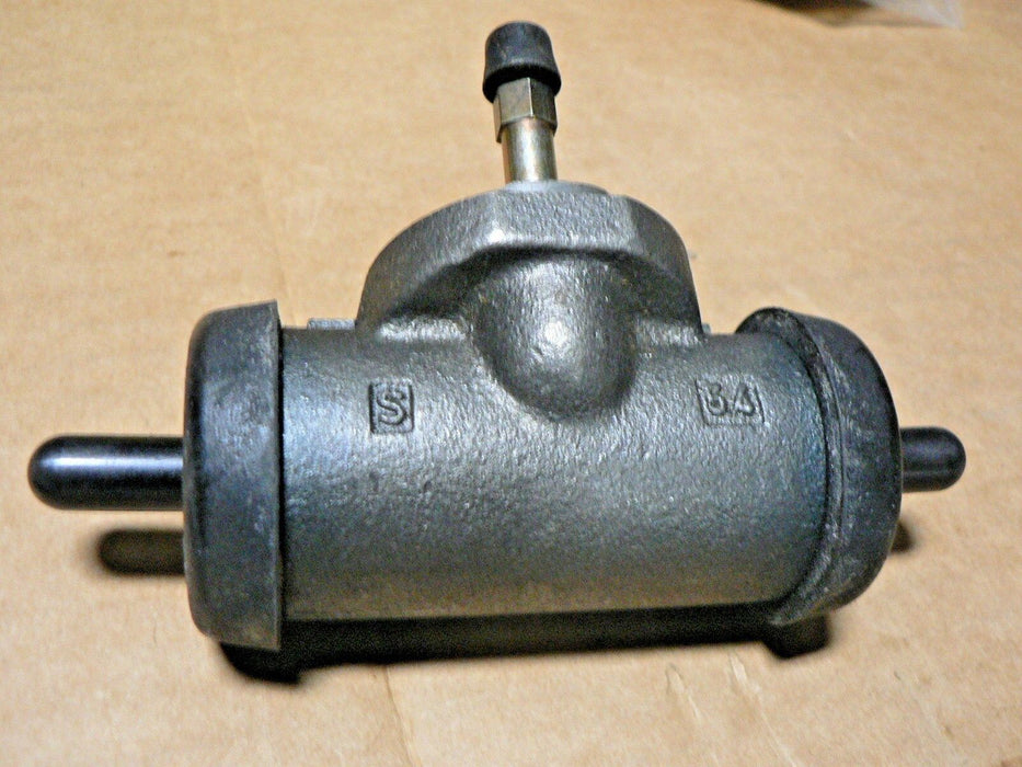 Dana Clark WHEEL CYLINDER  part number 070KB108