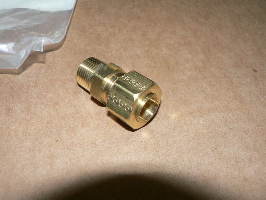 BRASS ADAPTER STRAIGHT TUBE/ BOSS 218191 5/8 MALE THREAD 1/2 FEMALE STAMPED 18