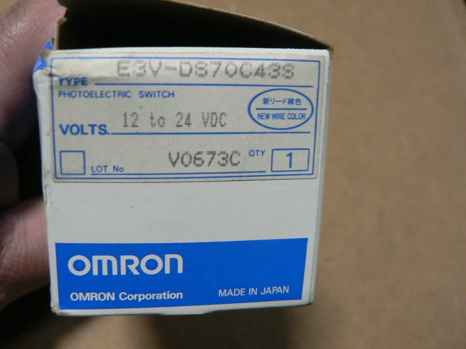 OMRON PHOTO SENSOR E3V DS70C43S 12 TO 24VDC