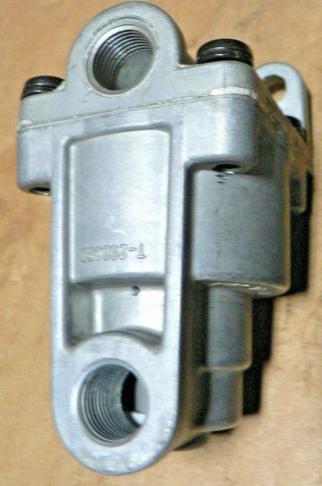 Bendix 289144X LQ-4 Front Axle Ratio Valve, 4 PSI Hold Off Pressure, 60 PSI Equa