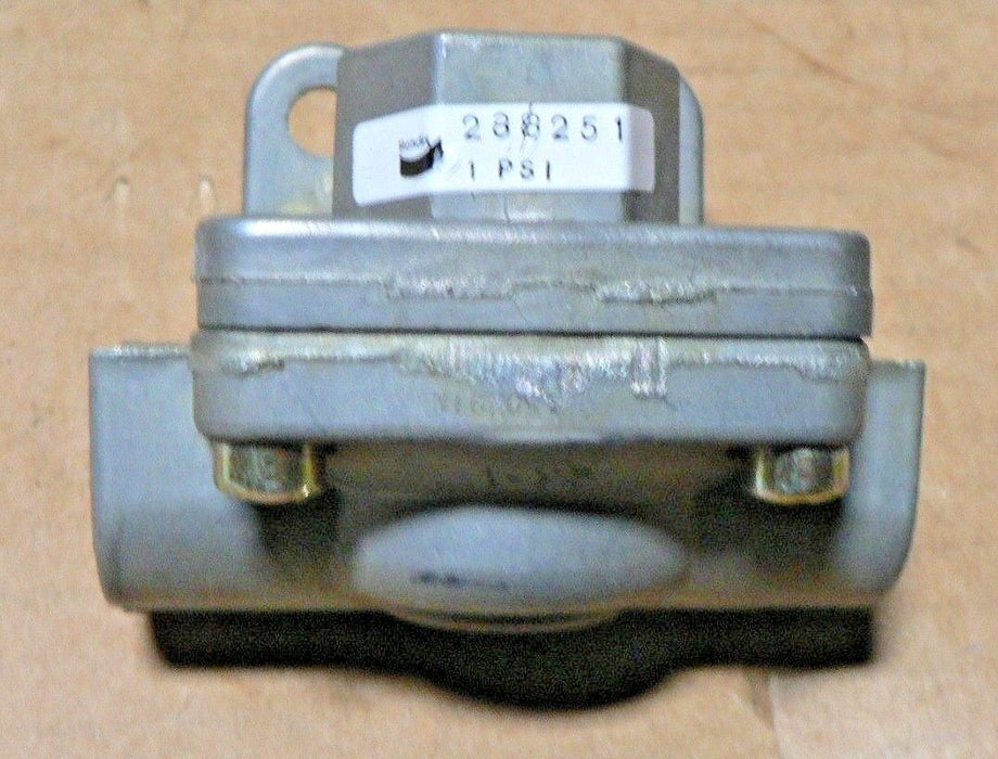 NEW Bendix 288251N Quick Release Valve FIAT ALLIS 70177179