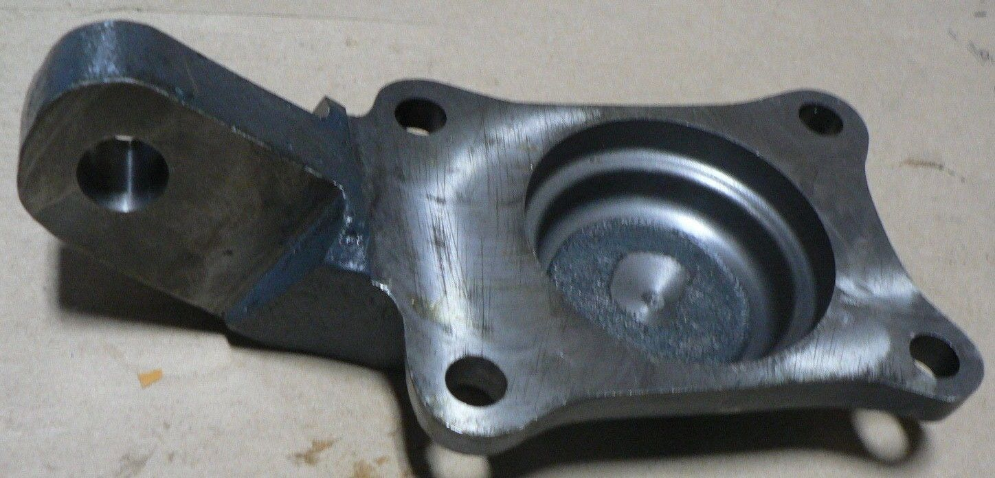 AM GENERAL STEERING ARM COVER 5591280