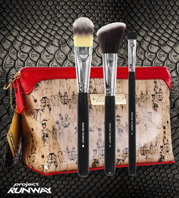 COSMETIC CASE WITH 3 PROFESSIONAL MAKEUP BRUSHES