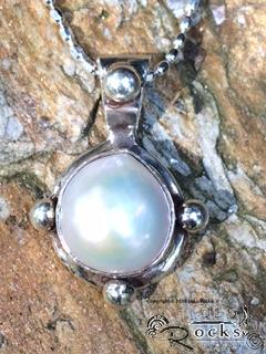 Handcrafted Silver Pendant with Freshwater Pearl