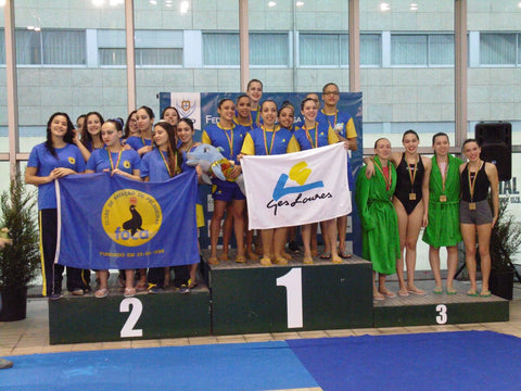 Inês and her team on the podium at nationals