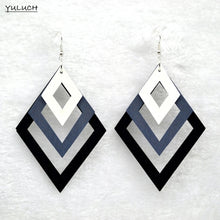 Colorful geometric hollow rhombus pendant multi-graded gradient long wooden earrings African female accessory jewelry
